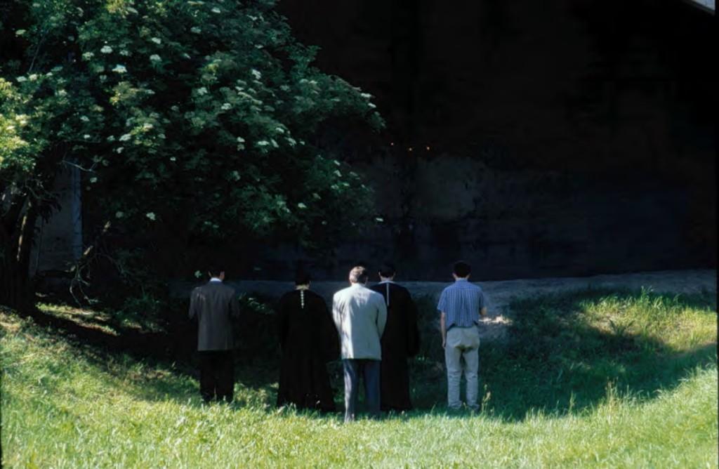 Представители Русской Православной Церкви 22 июня 2001 г. непосредственно у места, где погибали советские военнопленные.